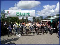 Radgruppe beim Start zur Fahrradtour Messe Funactive ©Sven Wagener