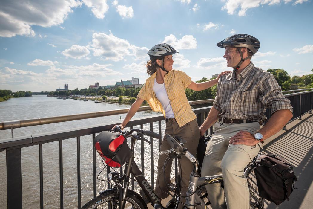 Fahrrad-Architektour auf der Strombrücke