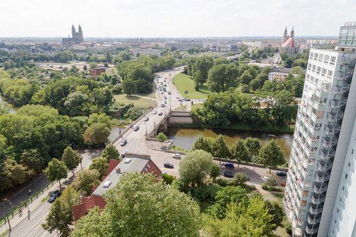Dom, Zollbrücke, Strombrücke und Johanniskirche von der Mittelstraße 2