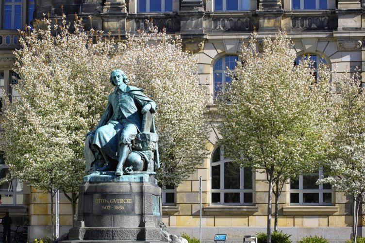Otto von Guericke Denkmal