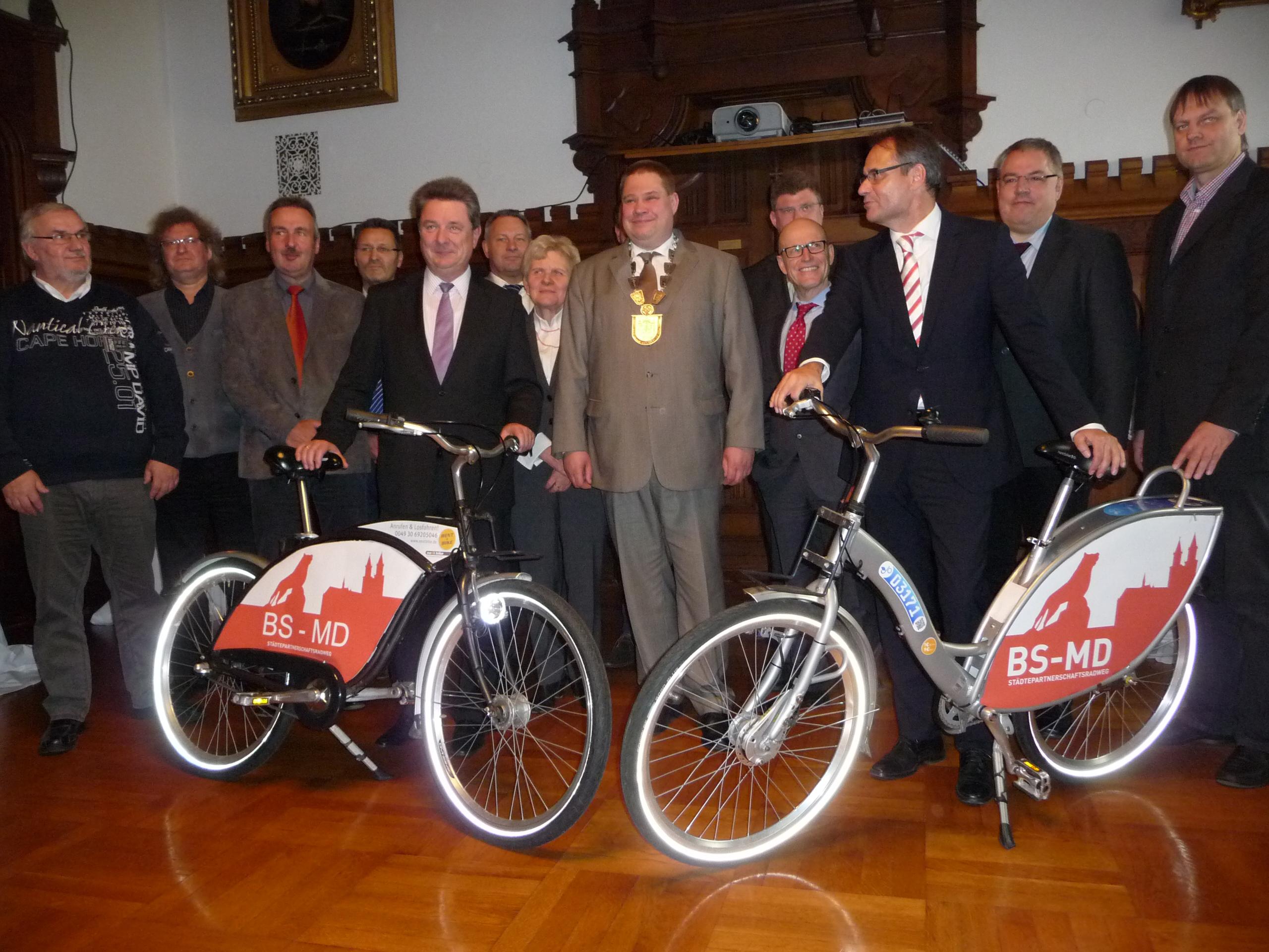 Unterzeichnung Kooperationsvereinbarung Städtepartnerschaftsradweg