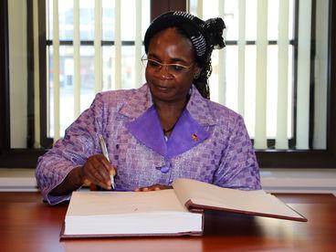 Botschafterin der Republik Burkina Faso I.E. Frau Marie Odile Bonkoungou Balima