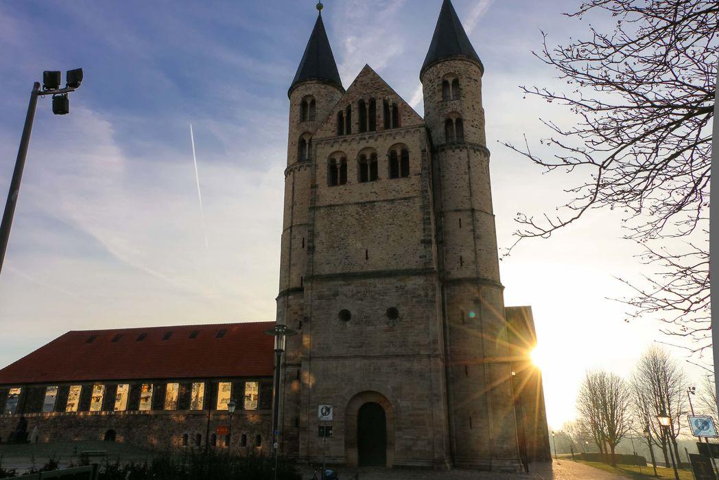 Sonnenaufgang am Kloster Unserer Lieben Frauen-2234