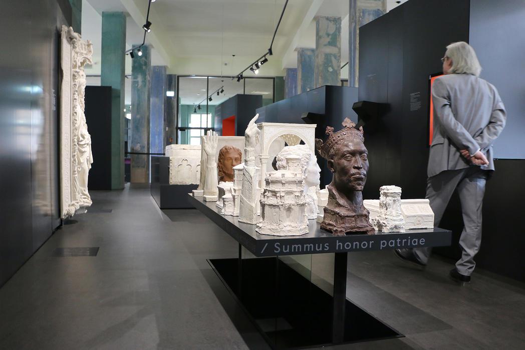 Exponate im Dommuseum Ottonianum