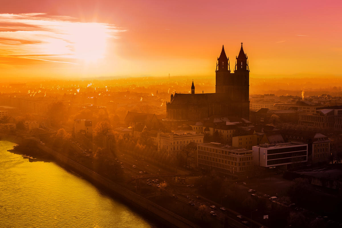 Header Stadtansicht Sonnenaufgang