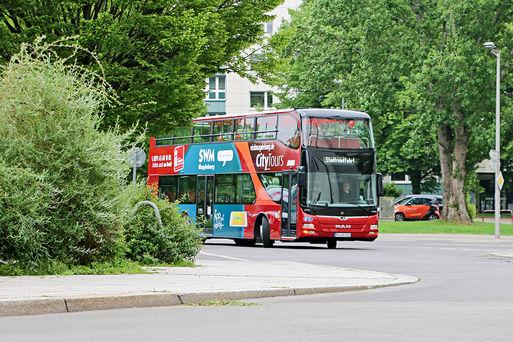 Jungfernfahrt im neuen Doppeldeckerbus für Magdeburg.