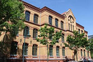 Volkshochschule: Gebäude Leibnizstraße