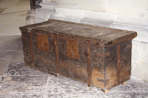 Interner Link: The Tetzel Chest in the Magdeburg Cathedral