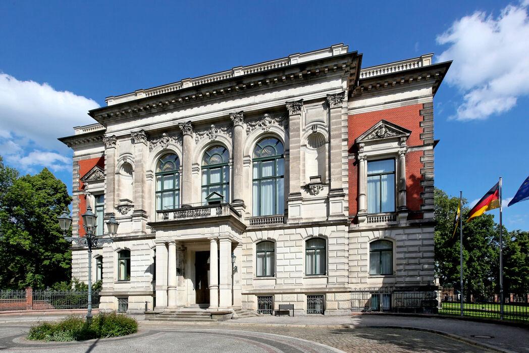 Palais am Fürstenwall ©www.AndreasLander.de