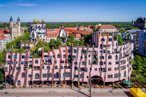 Interner Link: The GREEN CITADEL OF MAGDEBURG