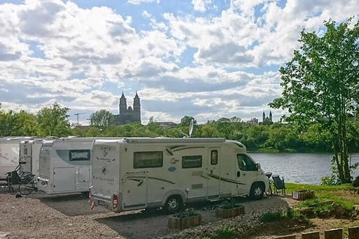 Interner Link: RV park at the Magdeburg marina