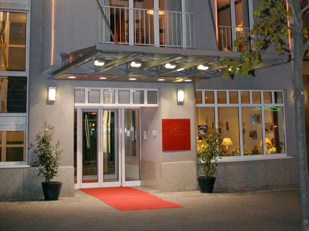 Externer Link: Plaza Hotel Außenansicht