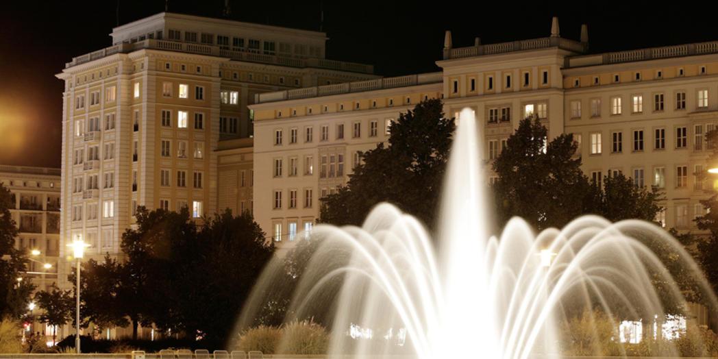 6. 2 Springbrunnen Ernst-Reuter-Allee ©Sam Rey