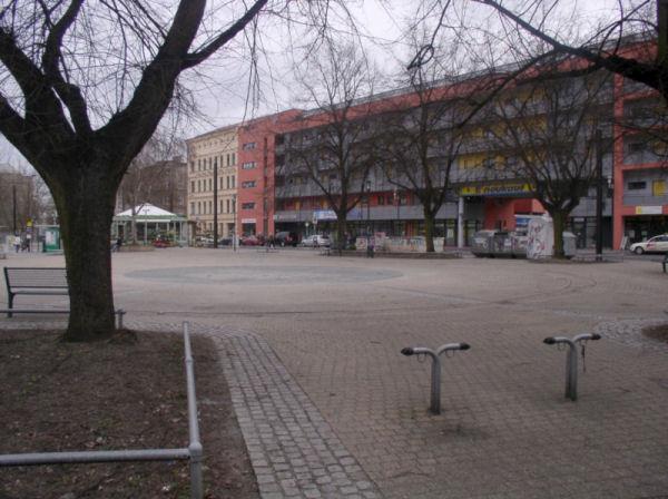 Olvenstedter Platz Westseite
